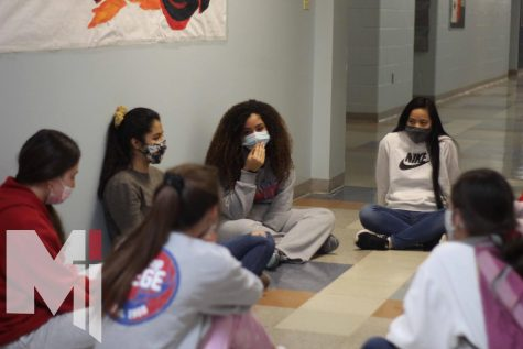 """Classmates from the sophomore NET retreat joined together in small groups to get to know God's words on a deeper level. """"The retreat really opened my mind about choosing the right friends,"""" sophomore Jasmine Tolson said. """"And seeing who has the right intentions for me."""""""